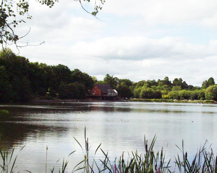 Lake in the park Llandrindod & boathouse cafe.