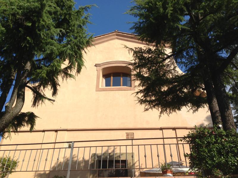 appartamento loft in chiesa, vacation rental in Legri