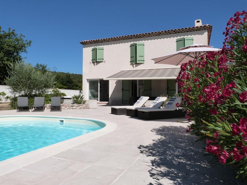 Bastide Nans les Pins heated pool from April to October (4 bedrooms), holiday rental in Var