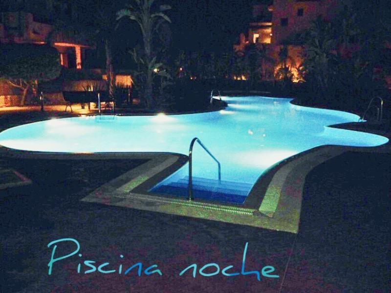 Piscina Noche