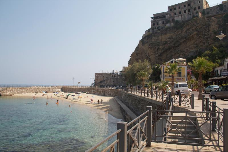 Beach in Pizzo town