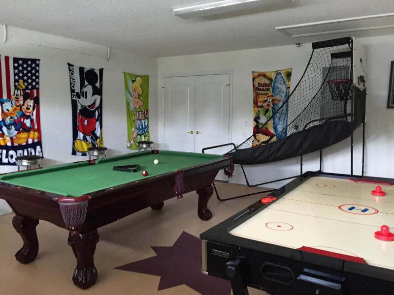 Pool, table hockey, darts and indoor basketball - something for everyone