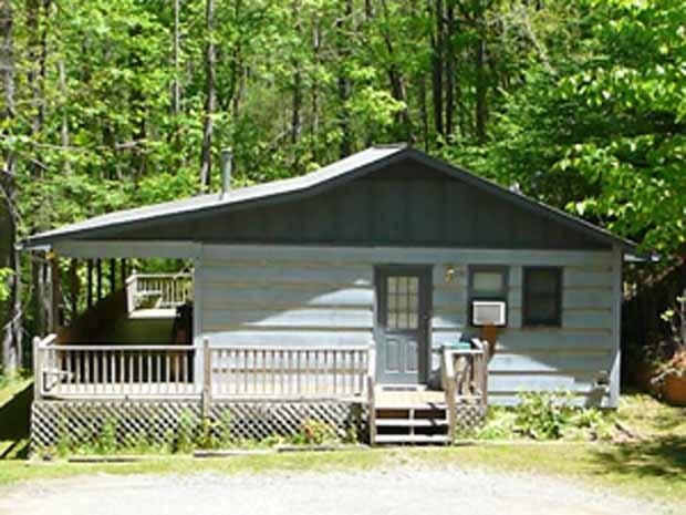 Crystal Creek Cabin w/ Hot tub, holiday rental in Cherokee