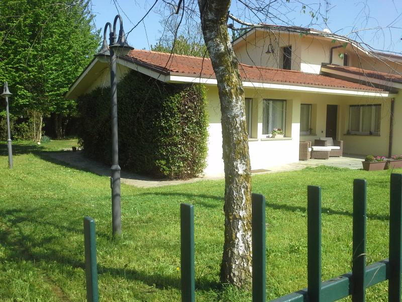 Villa esclusiva con parco privato, location de vacances à Province of Monza and Brianza