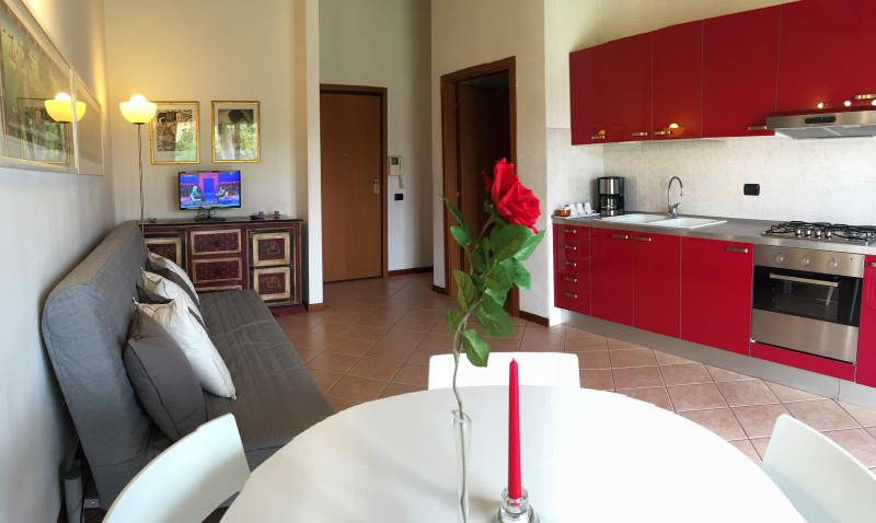 GORGONZOLA, ELEGANT NEXT TO METRO TO MILAN/EXPO, holiday rental in Vailate