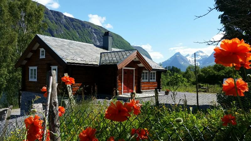Eldhuset Lovikneset, holiday rental in Valldal