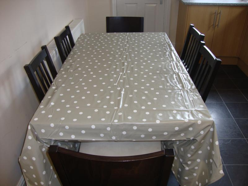 Kitchen table - seats 6 but can be extended to seat 8