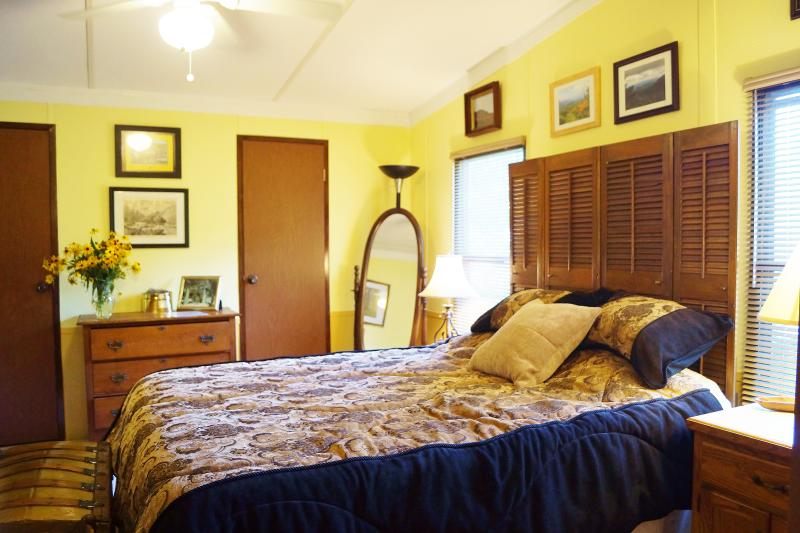 Mismo gran cama, pero con diferentes cubiertas. Podemos ser voluble de esa manera ...