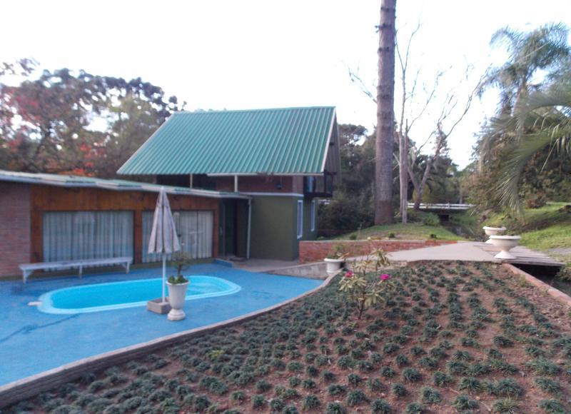 Pool with optional heating