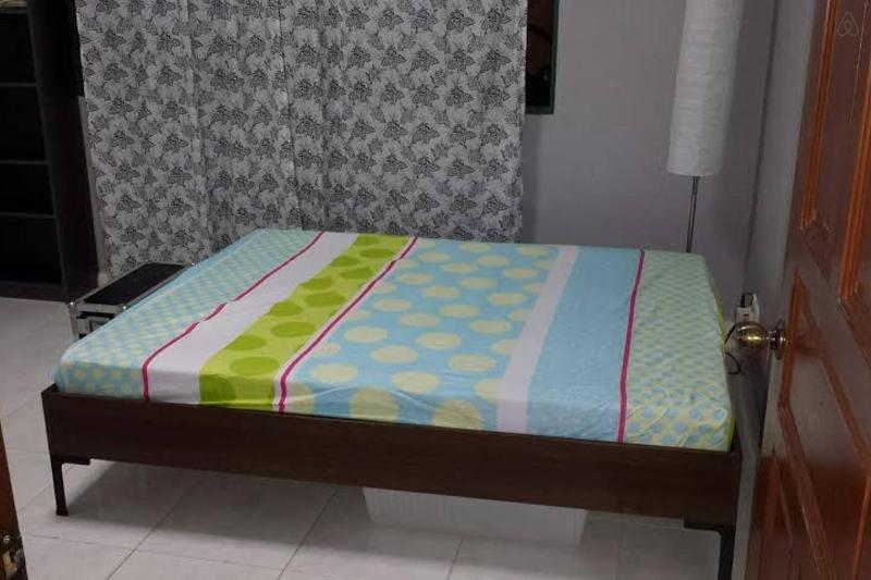 Private en-suite in detached house, holiday rental in Pasir Gudang
