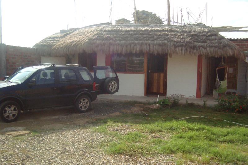 CASA DE PLAYA EN AYANGUE ECUADOR, holiday rental in Punta Blanca