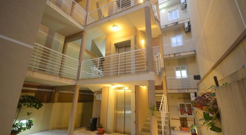 Open Coomunal Block accesible by Lift..Apartment in a quite residential area with good bus access