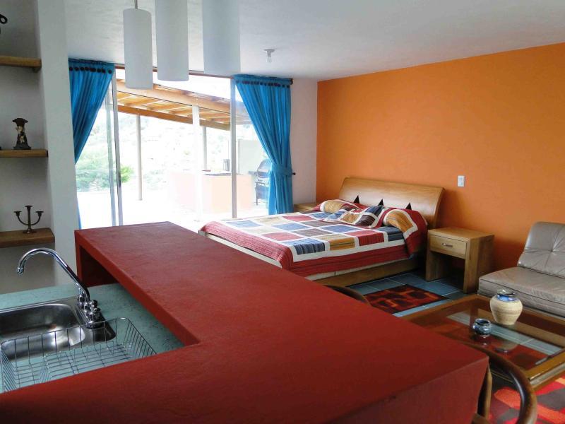 Apartamento independiente tipo loft, aluguéis de temporada em Guatape