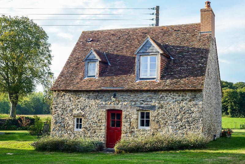 La Tuilerie Lavande Cottage, vacation rental in Hambers