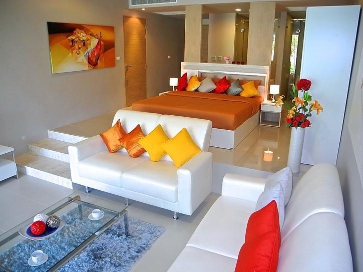 Pool access apartment in Karon, holiday rental in Ban Khok Chang
