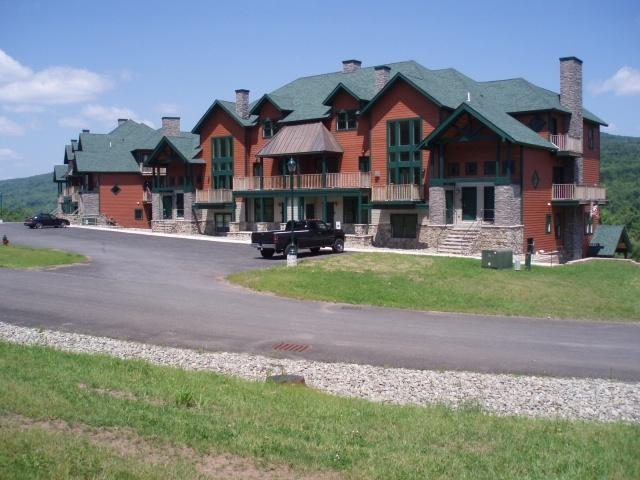 Hunter Mountain Condo - Walking Distance to the Base Lodge!