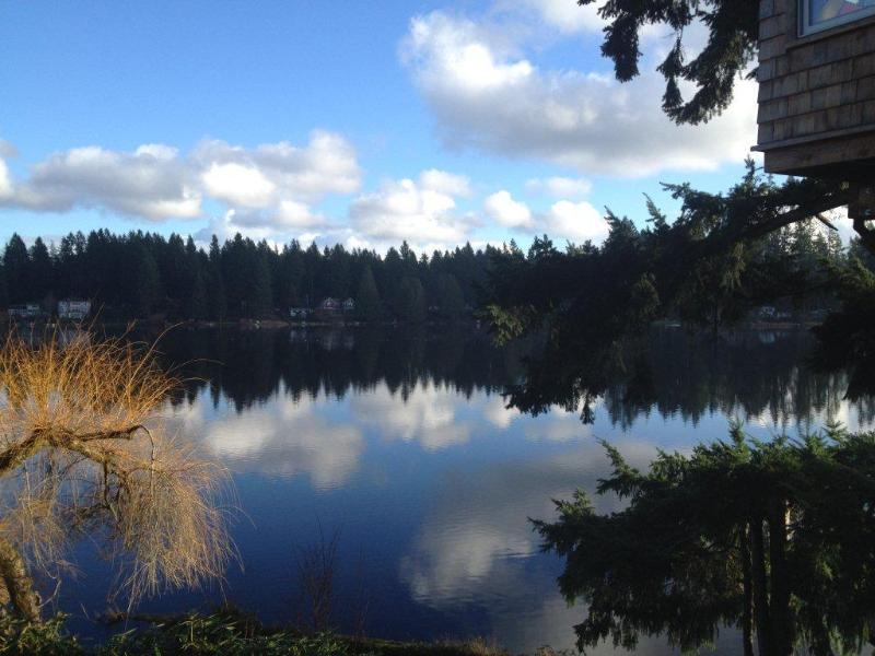 Cottage Lake Bed and Breakfast, location de vacances à Woodinville