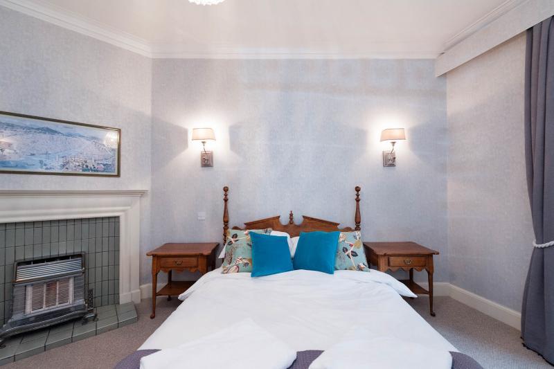 Bed 2 - King size Ethan Allen bedroom furniture