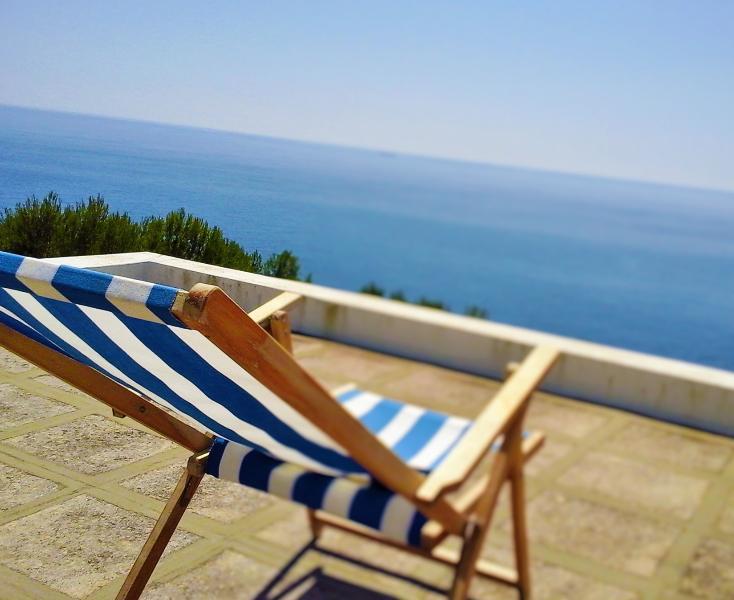 Villa Rosa - Breathtaking sea view in Salento. Immersed in nature, vacation rental in Corsano
