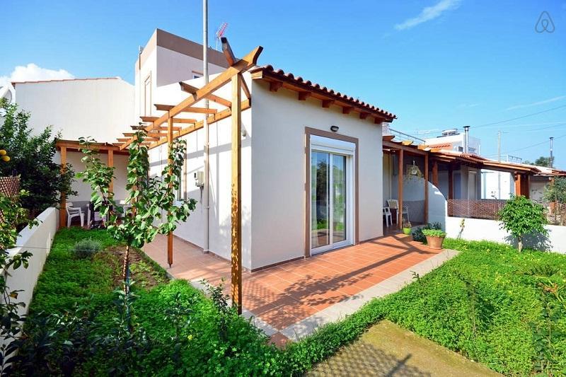 House in Tavronitis, aluguéis de temporada em Polemarchi