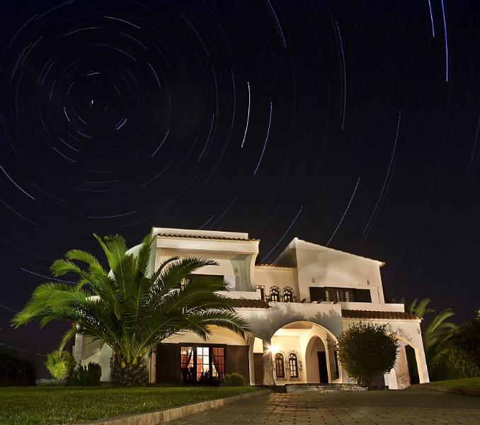 Villa Andorinha with star trail