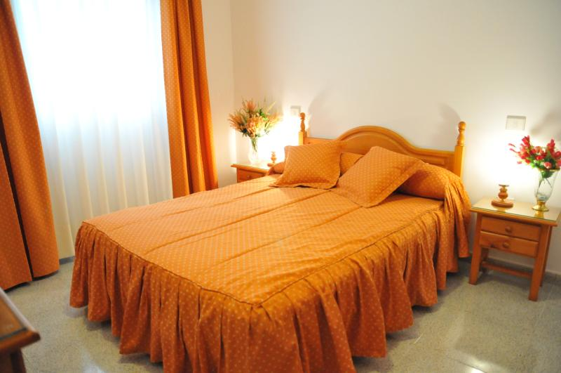 EmyCanarias Amplia 1 Dormitorio, vacation rental in Vecindario