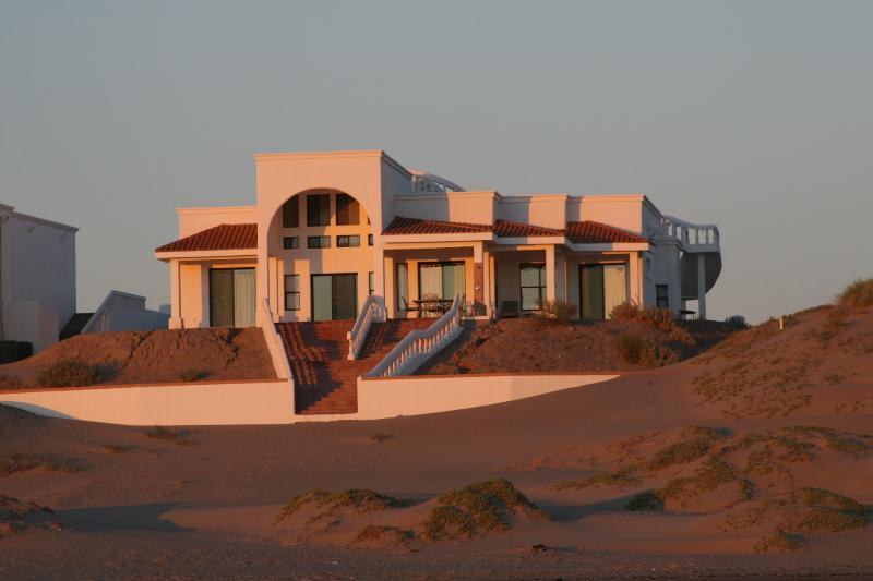 Casa Luna y Sol, one hour south of Rocky Point, location de vacances à Santo Tomas