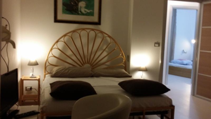 Villetta 8 posti letto, vacation rental in Montepaone Lido