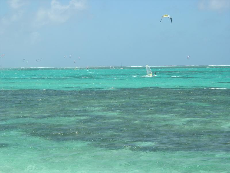 Kitesurf and windsurf in front of property