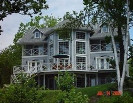 Lakeridge - Gorgeous Cape Cod in South Muskoka, holiday rental in Big Chute