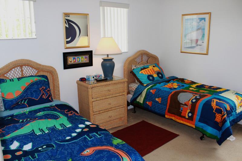 Bedroom # 1 new flat screen + dvd
