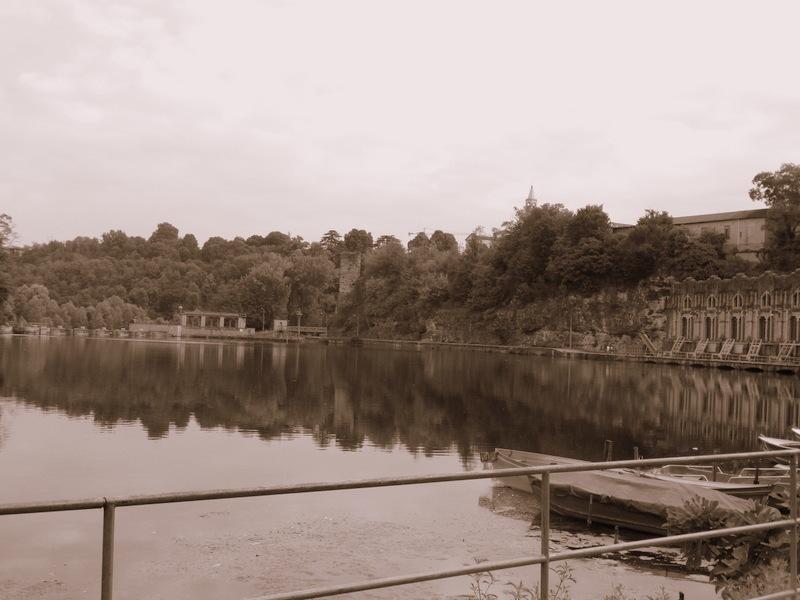 La centrale sul fiume Adda, nei dintorni