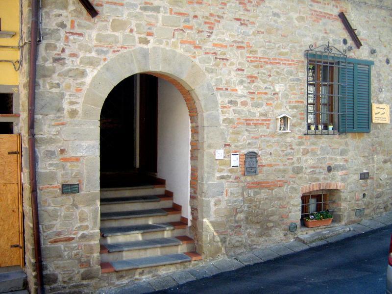 Casa velia appart. bellavista, holiday rental in Uzzano