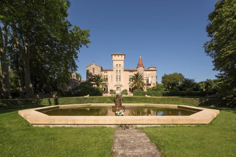 Chateau Roussillon Château Languedoc, Château rental France, Château to let Fran, vacation rental in Lezignan-la-Cebe