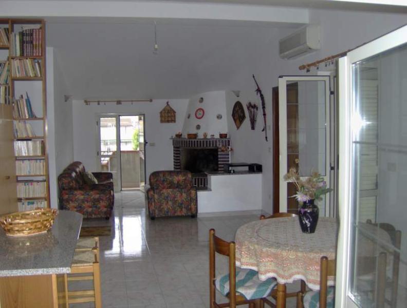 appartamento mansarda, holiday rental in Gioiosa Ionica