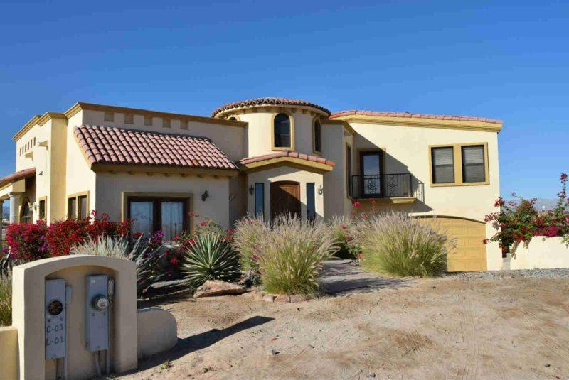 Casa Cambell Stunining 4 bedroom House, vacation rental in San Felipe