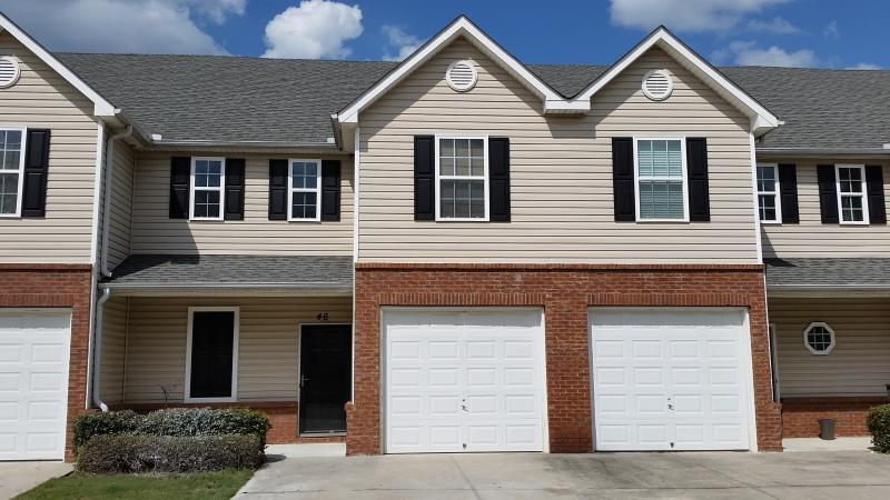 Spacious Cartersville Condo, holiday rental in Waleska
