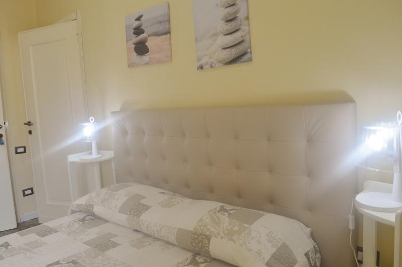 double room with privet bathroom, location de vacances à Pirri