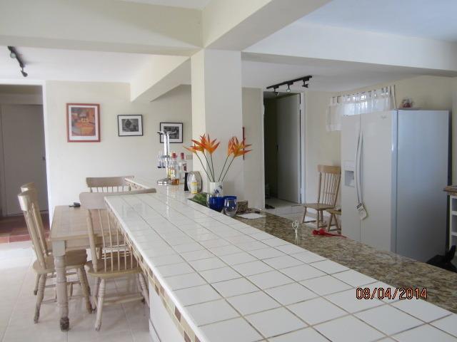 Breakfast area/Kitchen