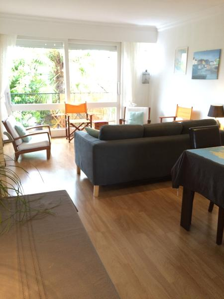 1st floor, living room