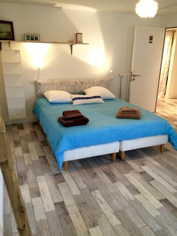 Bedroom 3: the turquoise bedroom. Double bed, opens on garden.