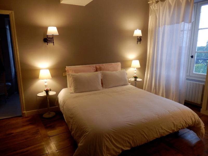 Au Presbytère de Dagmar, chambre Clarisse, vacation rental in Val-d'Ize