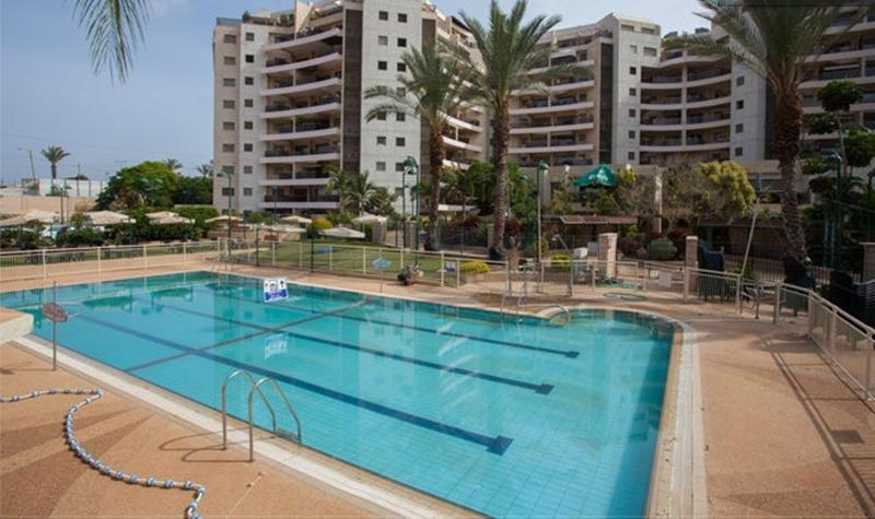 One bedroom with Patio #25, alquiler de vacaciones en Kfar Saba