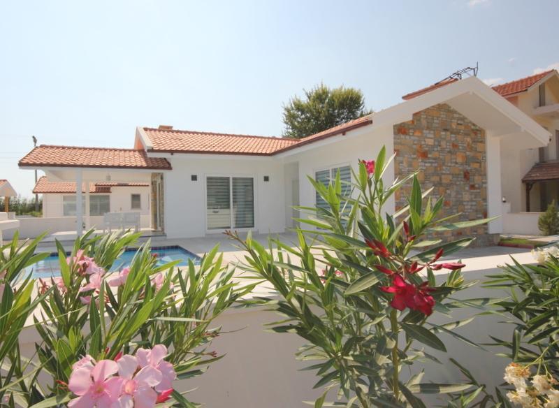 Villa Boncuk - Lovely New 2 bed Bungalow- Dalyan Maras Area, holiday rental in Dalyan