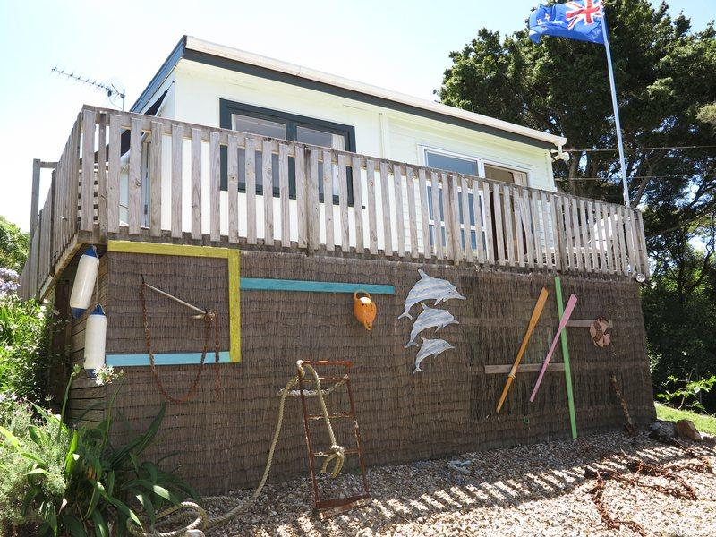 Castaway Cottage, holiday rental in Oneroa