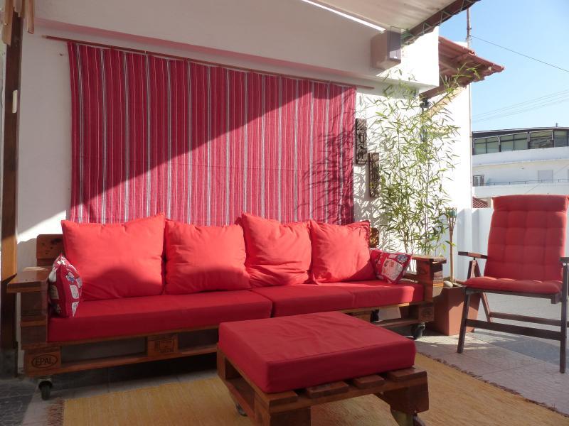 Terraço: Privado, que permite tomar banhos de sol, uma sesta ou escutar musica no exterior.
