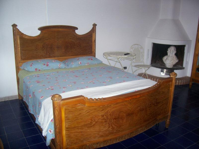 La prima stanza da letto.