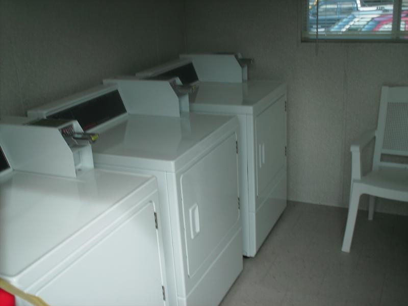 Laundry trailer located by the marina - 3 washers and 3 dryers