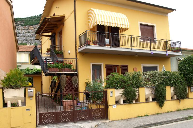 B&B Via Della Grotta - CASA VACANZE, aluguéis de temporada em Monsummano Terme