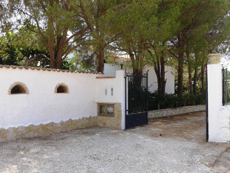 Cancello d'ingresso residence 'La prateria', particolare Villa Dracena 1° abitazione
